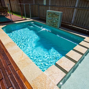 Honey Granite Pool Coping Tiles with SS300 feature wall