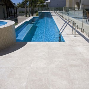 Travertine Linen Honed Filled with Sky Blue Pearl Mosaics