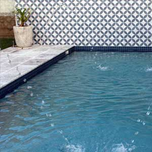 CM098 Ocean Blue ceramic tiles shown in place